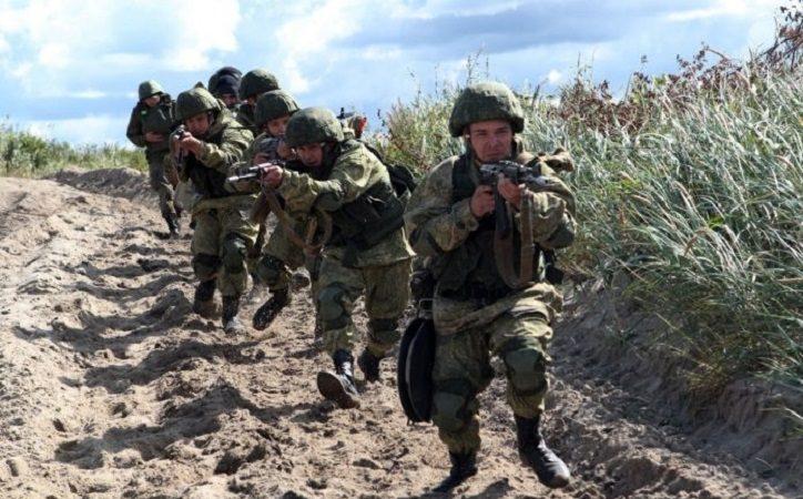 Russische Soldaten Wüste Anunnaki Krieg