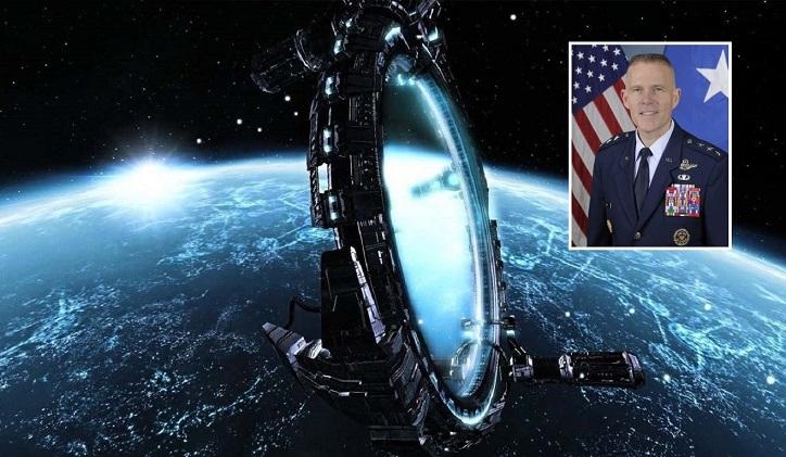 Commander versichert, dass die USA über die Technologie verfügen, um Menschen zu teleportieren