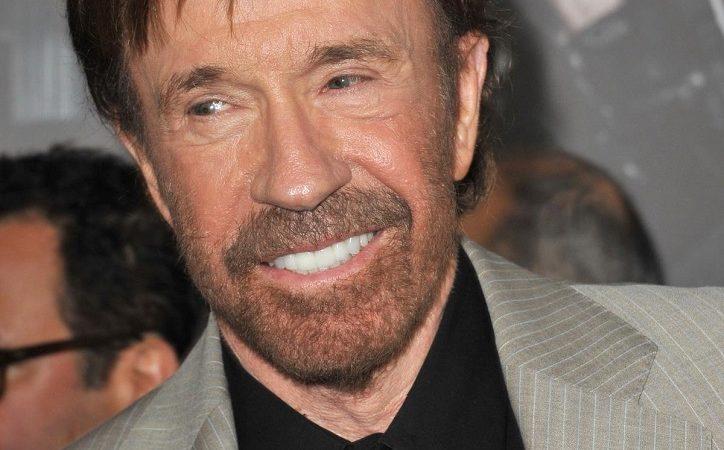 Massenerwachen: Chuck Norris und andere Prominente sprechen über Chemtrails
