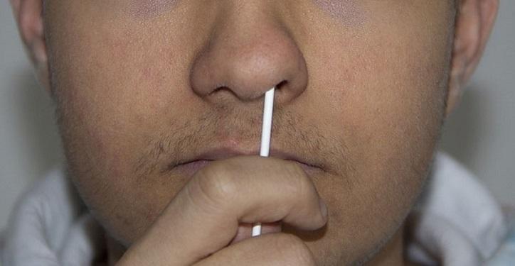 PCR-Teststäbchen – das Gift in deiner Nase